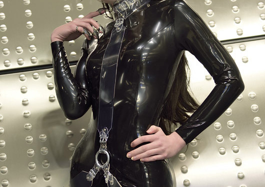 Model Leila Lunatic, Catsuit Latexcrazy Harness Jaded Jewall