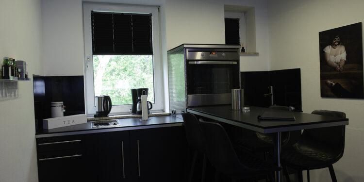 In der voll ausgestatteten Küche könnt ihr euch zwischen den Sessions stärken