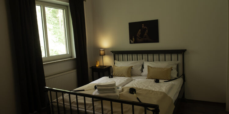 Das Schlafzimmer: für himmlische Nachtruhe und teuflische Fesselspiele